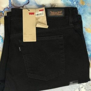 Levi's 515 Mid Rise Bootcut NWT